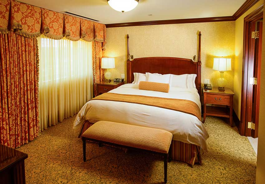 Executive King Suite from The Towers at the Kahler Grand Rochester