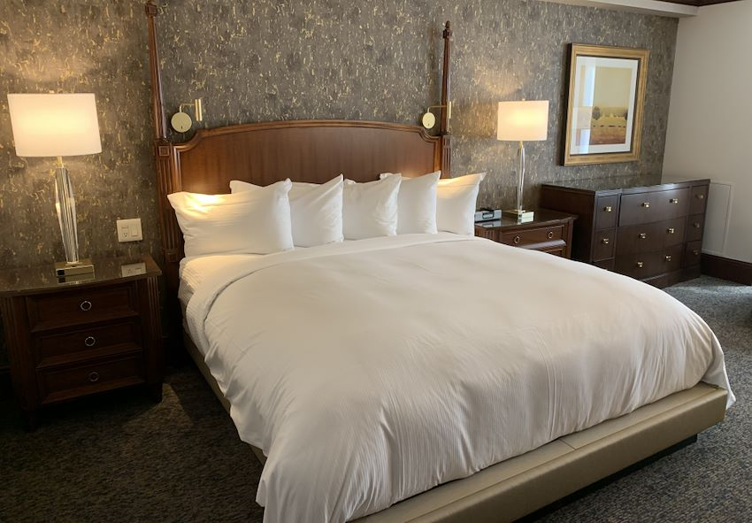 Luxury Rochester Hotel Rooms And Accommodations The Towers At The Kahler Grand